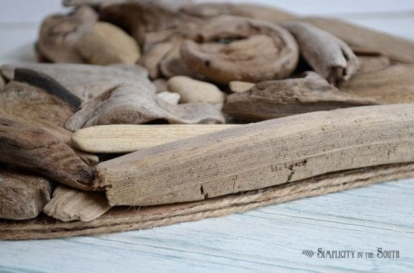 Driftwood heart with jute trim. Tutorial by Simplicity In The South
