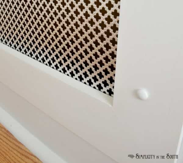 Radiator screen vent cover