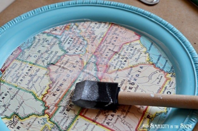 How To Make a DIY Dollar Tree Magnetic Map Memo Board Tray - Home Decor Organization Craft Tutorial: how to decoupage a map tray