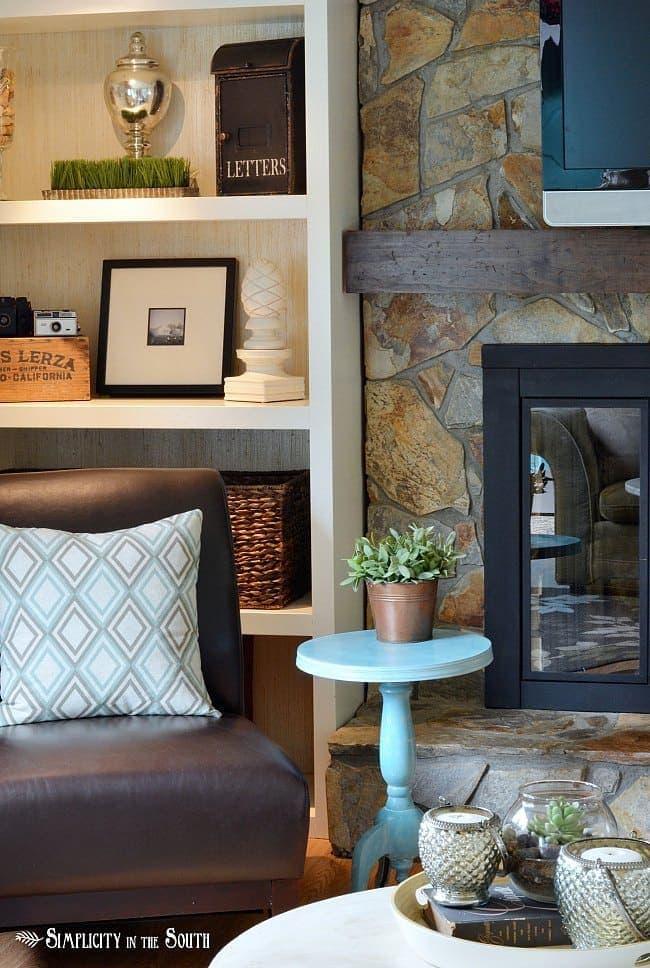 Modern cottage living room