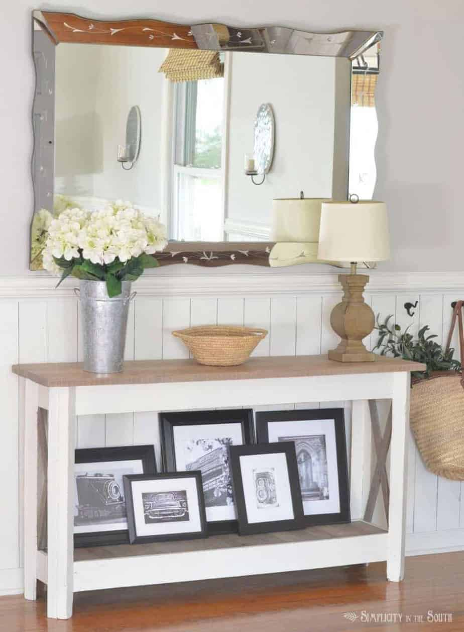 Simple ideas for decorating your entryway table for summer