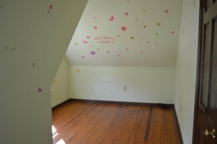 Small_dormer_bedroom